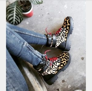 Shoes - 🆕️//Fall Favorite Collection// Animal print Boot